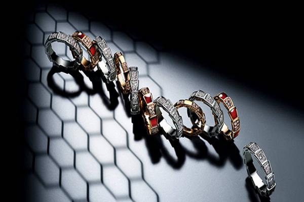 宝格丽推出全新Serpenti Viper戒指系列