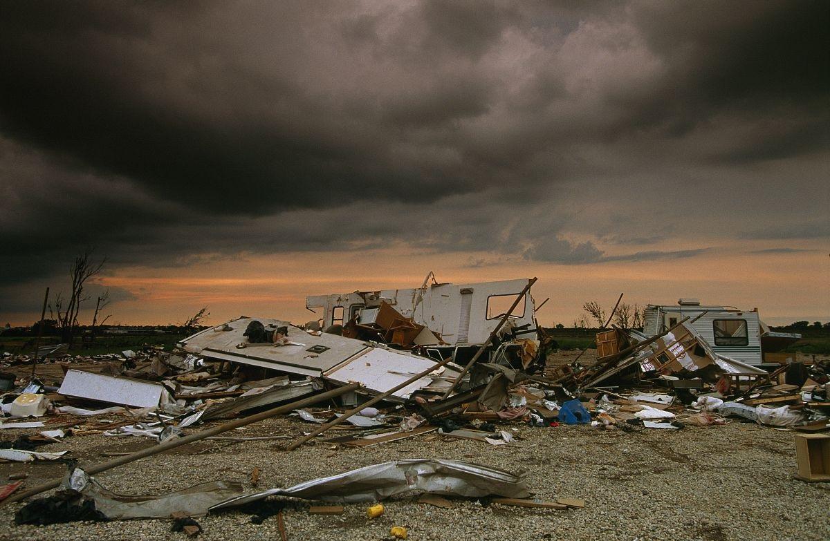 无节制经济增长引发环境灾难性破环