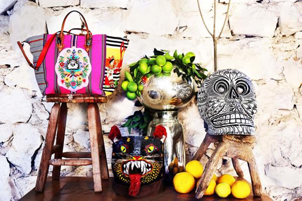 Christian Louboutin推出墨西哥风情系列包包