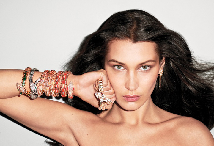 超模贝拉佩戴宝格丽宝石珠宝拍摄时尚大片 尽显性感野性之美