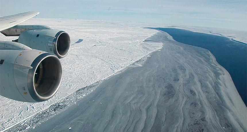 南极最大冰架断裂 面积大如美国一个州