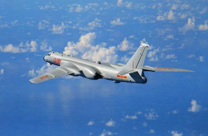 战机飞越宫古海峡 进一步锻炼和拓展海上作战能力