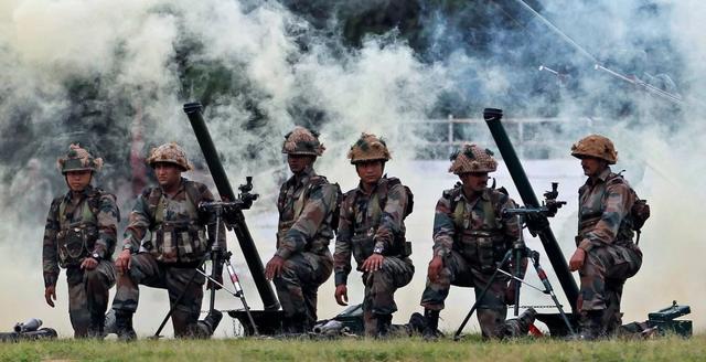 巴总理谴责印度袭击巴军车 并造成4名巴基斯坦士兵死亡
