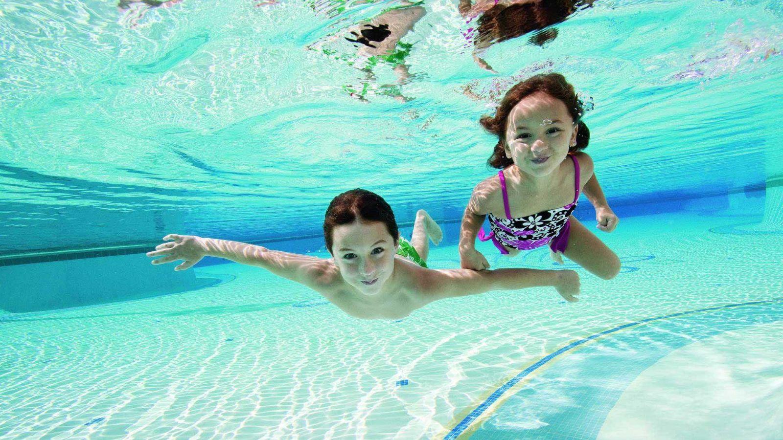 合肥8岁女童在游泳馆学游泳时溺水死亡