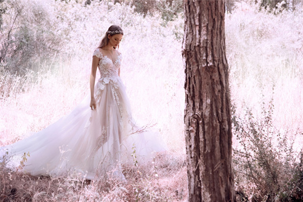 Gala by Galia Lahav服装品牌释出最新2018婚纱系列