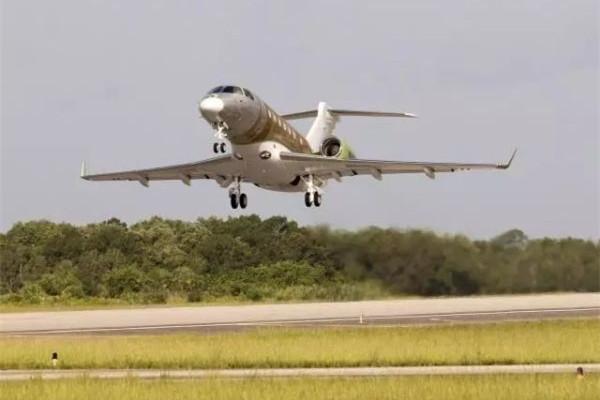 巴航工业首架墨尔本组装莱格赛500私人飞机成功首飞