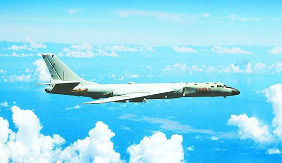 """中国军机飞越东海 空军官方微博表示""""常态化"""""""