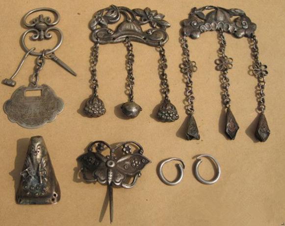 清代女子出嫁的嫁妆居然是一套银饰