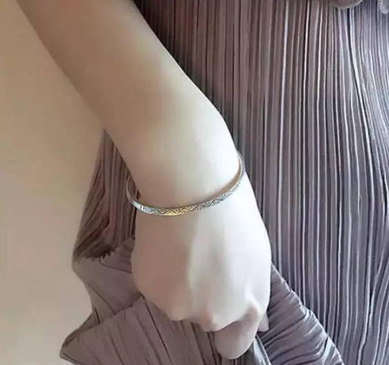 传统银饰成时尚新宠