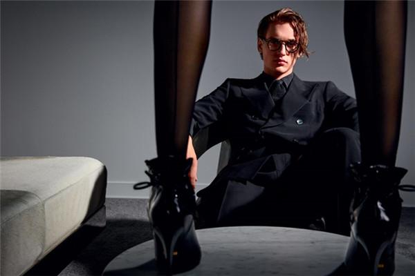 Tom Ford服装品牌释出2017秋冬系列广告大片