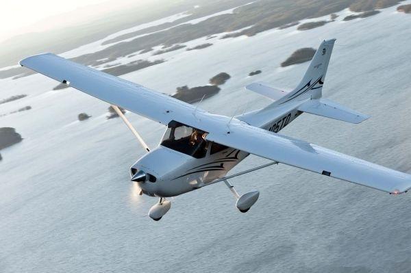 德事隆航空获三宗赛斯纳172私人飞机订单