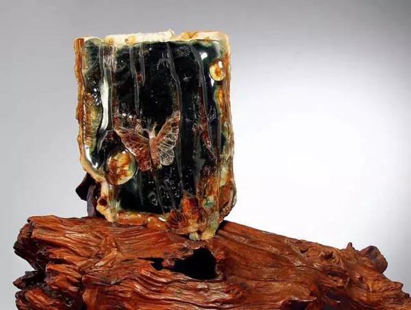 东海水晶专场拍卖会于南京举行 成交率达90%成交额超300万元