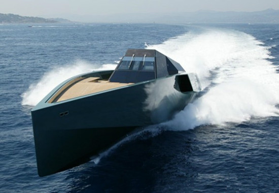WALLY推出全新复合材料游艇 外形堪比军舰