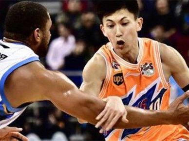 上海官宣刘晓宇转会 大鲨鱼俱乐部祝他在北京队能有更好的发展