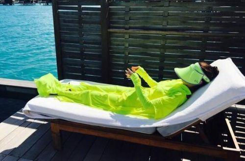 安以轩携老公海岛度蜜月