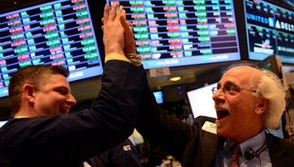 美股三大股指齐步上扬 道指五日连续收创历史新高
