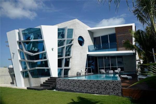 Gomez豪宅:天马行空的创造出非常独特的空间
