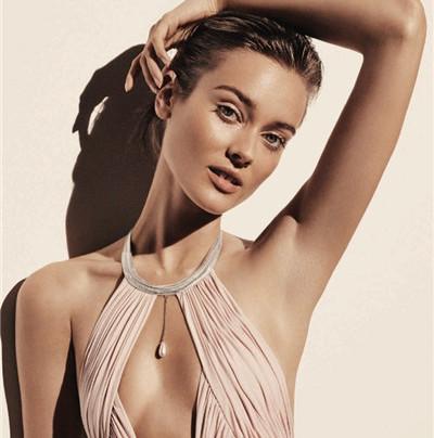 超模Jac Jagaciak登上《Harper's Bazaar》杂志封面