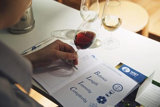 英国葡萄酒与烈酒教育基金会发布数据 学员人数上涨19%