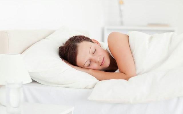 睡觉是生命活动中最重要的环节? 告诉你这样睡觉有利于长寿