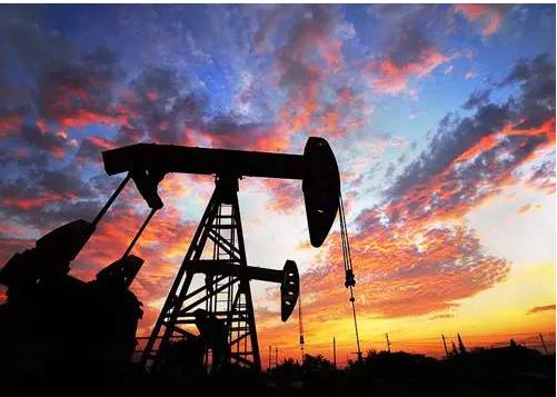 委内瑞拉遭美国制裁 原油期货小幅收涨逾1%
