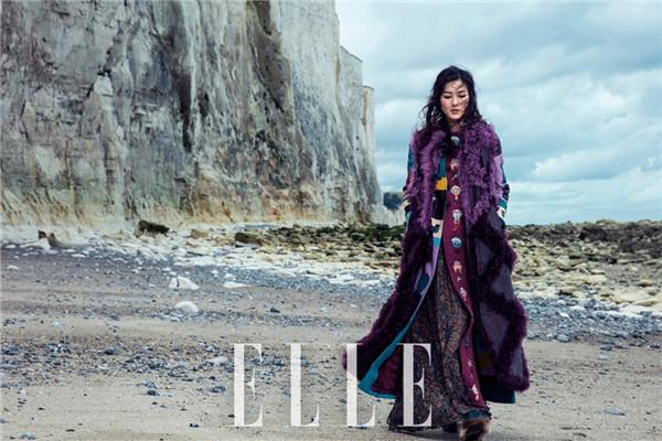 超模刘雯最新时尚大片曝光 化身法国时髦女郎洒脱自然