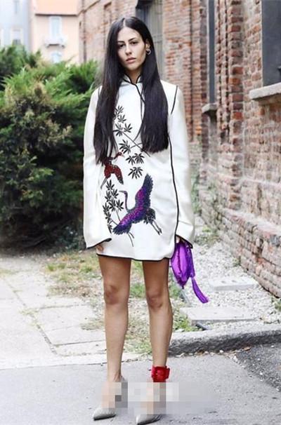 今夏服装流行趋势示范 丝绒缎面单品你还没Get到么