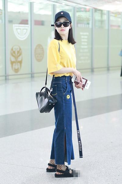 明星服装流行趋势示范 开叉裤轻松穿出长腿大气场