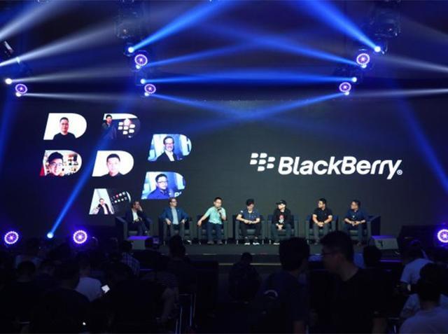 黑莓黑色加强版中国首发 全新智能全键盘手机会是怎样的体验