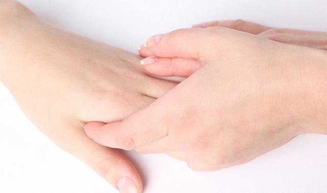 女人的手可以看出很多的秘密 盘点手部护理的方法大全
