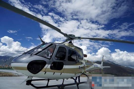 首批4架私人直升机到达拉萨 将实现空中游览拉萨城