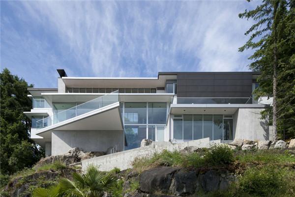 现代主义豪宅:实现建筑与自然之间的无缝相接