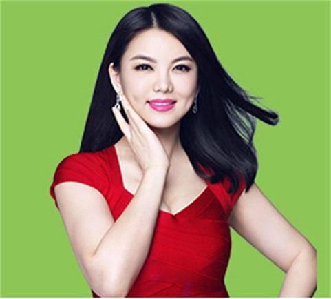 李湘爆料某三字女星耍大牌 其父母都是娱乐圈的前辈