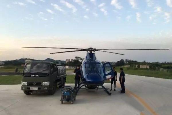 多家通航派遣私人直升机飞赴灾区 执行救援计划