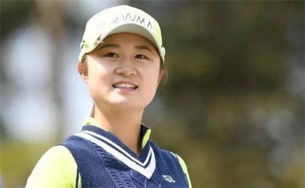 女孩弃日国籍为中国夺冠 鲁婉遥:我是一名中国人!