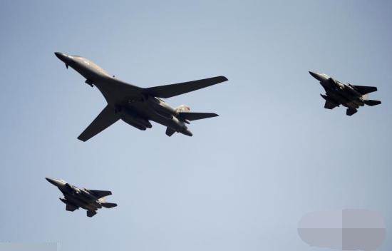 美战机训练时坠毁 飞行员成功离机已被送往医院进行检查