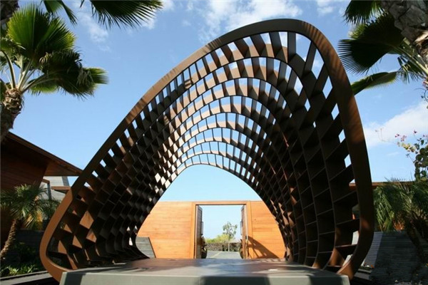 Kona豪宅:自然元素和几何硬景观的完美对立