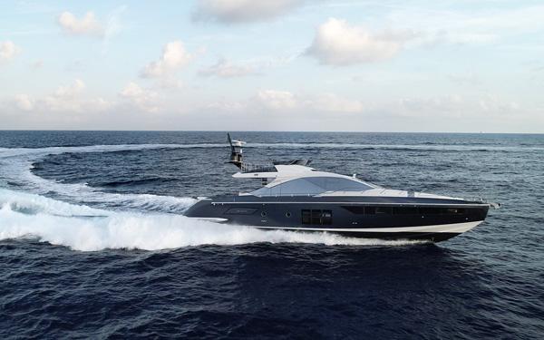 碳纤维构造材料 阿兹慕集团推出全新Azimut S7游艇