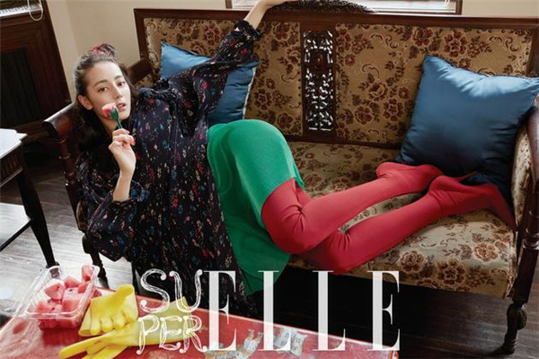迪丽热巴登上SuperELLE特刊封面 演绎新生代偶像魅力