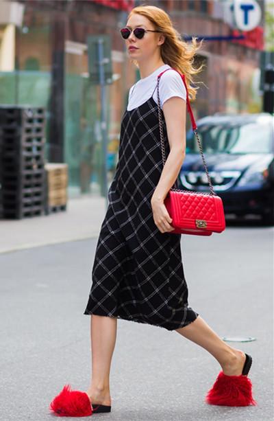 今夏服装流行趋势示范 只会穿白T的你没前途
