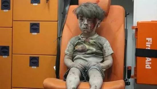 让全世界揪心的叙利亚男孩 不愿成为反对派编造谎言的工具