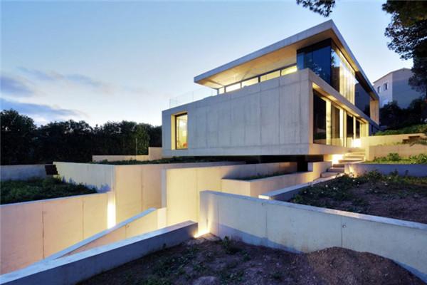 西班牙马略卡岛豪宅:打造简单而有调性的建筑