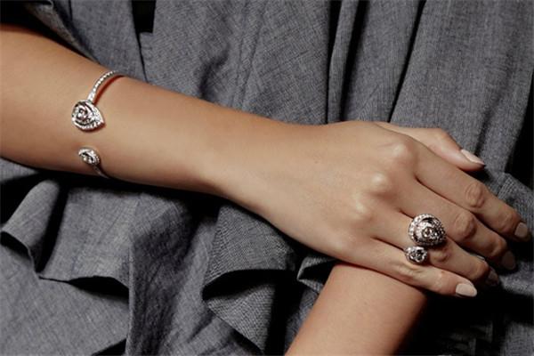 Chaumet推出全新系列珠宝 用永恒诠释完美七夕