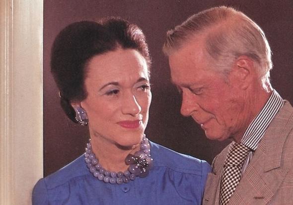 玛瑙表亲:玉髓 连珠宝狂人温莎公爵夫人也曾被俘获的平价宝石