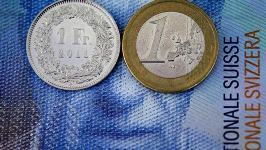 """瑞士央行""""大腹便便"""" 巨额外汇储备成累赘?"""