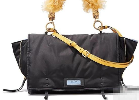 夏季必备 普拉达推出2017新款Tessuto尼龙面料包包