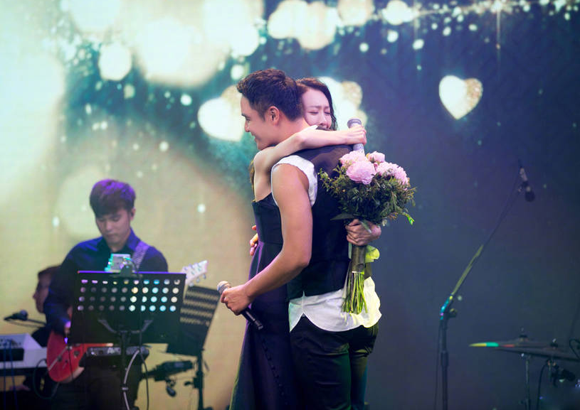 王鸥明道相拥唱情歌 他们是否真的已经爱上对方?