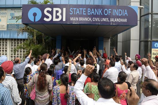 印度百万银行职员罢工 印度罢工事件为何频发?