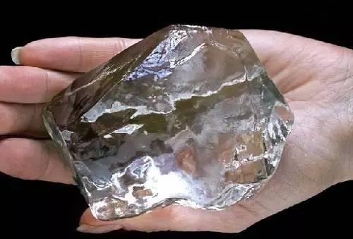 """世界""""最""""字珠宝大集结 库利南钻石亚当之星蓝宝石一次看过瘾"""
