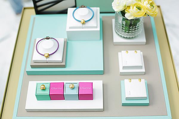 腾讯QQ携手周生生珠宝品牌发布QQfamily新品珠宝